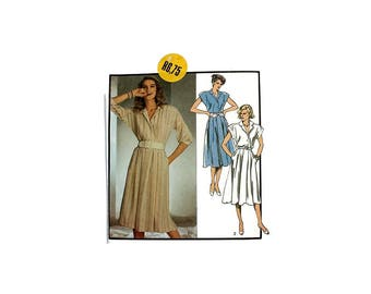 1980s Vintage Sewing Pattern - Style 4677 - Shirt Dress