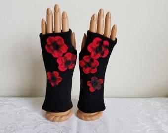 Plaid Blossom Fingerless Gloves in Black Merino Wool