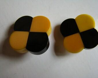 Yellow and black Bakelite 1930' four leaf-clover earrings