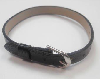 1 leather 22 cm black color bracelet