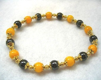 Halloween Orange and Black Ankle Bracelet, Orange Mother of Pearl, Black Magnetic Hemalyke, Halloween Bracelet, Small 9 inch Stretch Anklet