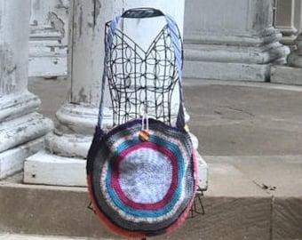 Boho bag, boho shoulder bag, hippie bag, hippie shoulder bag, round bag, round tote, circle bag, circle shoulder bag, crocheted pocketbook