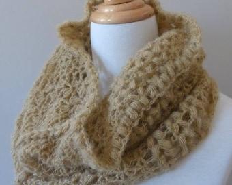 Snood lace for a stylish winter / unique