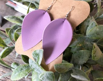 Leather earrings - Petals - Lovely Lilac