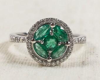 Detailed Modern Women's 14K White Gold 0.75ctw Emerald Gemstone & Diamond Halo Statement Ring Size 6.5 – 3.7 grams FREE SHIPPING!