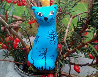 Garden plug Cat, cat figurine hand painted, cat pottery, cat lover gift, ceramic cat turquoise, cat with crown