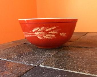 Vintage Pyrex Autumn Harvest 2.5 Quart Mixing Bowl
