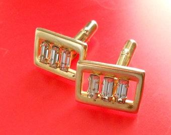 Vintage cuff links.  Mens jewelry.