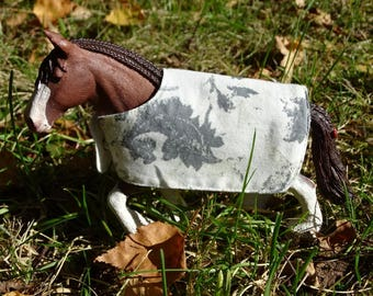 Toy horse Figurine blanket