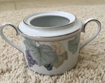 Noritake GRAPE ARBOR 4008 sugar bowl double handle no lid mint condition vintage collectible