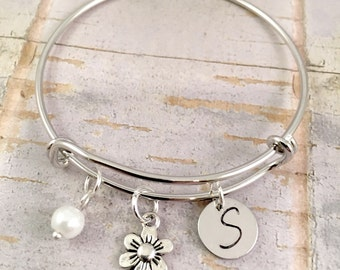 Flower Girl bracelet, initial charm bracelet, little girl bangle, personalized junior bridesmaids, flower charm, pearl, little girl jewelry