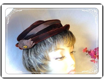 Rich Brown Velvet Hat Labeled Bullocks of Pasadena with Rolled Brim   -   H-032a-072313000