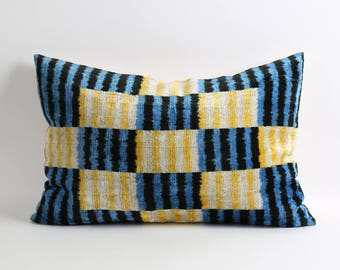 Ikat samt Kissen-Abdeckung, Seidensamt Ikat Kissen, handgewebte handgefärbt Ikat Kissen, 16 x 24 moderne dekorative Kissen, blau gelb Kissen