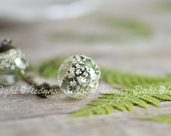 Pressed flower terrarium jewelry botanical necklace- Nature Inspired White Queen Anne's Lace Flower terrarium necklace