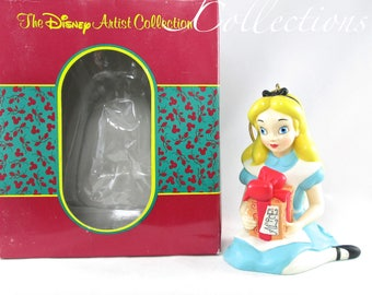The Disney Artist Collection Alice in Wonderland Ornament To Alice Present MIB Vintage Vintage Christmas Collection Attractions Parks WDW