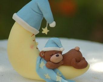 Fondant cake topper - Sleepy teddy and moon