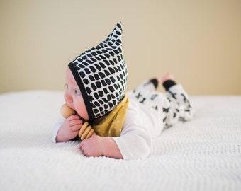 Black stroke pixie hat, baby hearing aid hat, baby cap, hat with ties, toddler cap, baby boy hat, baby girl hat, emmifaye hat, elvelyckan
