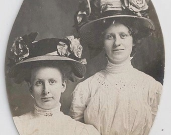 Old Photo 2 Women wearing Hats with Big Flowers Early 1900s  Photograph Snapshot vintage