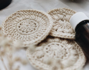 Cleansing pads. 100% Organic Cotton. Washable and reusable by Mae