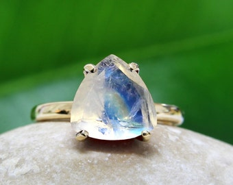 SUMMER SALE - rainbow moonstone ring,semiprecious ring,gold ring,trillion ring,triangle stone ring,gemstone ring,stacking ring