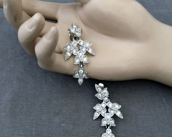 Stunning Articulated Crystal Clear Clip, Dangle Earrings, 1950s, Bridal , Timeless Elegance, Rhodium Silver, Signed, Leaves