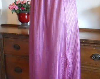 Vintage Molyclaire Purple Semi Sheer Half Slip Petticoat ~ Lacy ~ Feminine ~ Elegant Slip ~ Size Small