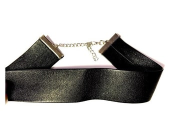 Thick Faux Leather choker