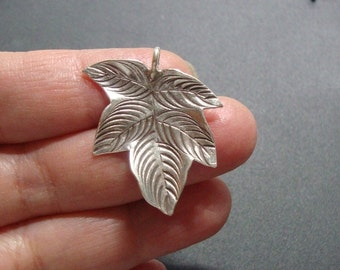 1 pc, 30x26mm, Artsy and beautiful, Karen Hill Tribe Silver Beatiful floating leaf, 3D, PC-0178