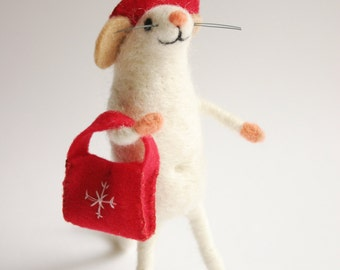 Needle felted mouse, Holiday figurine, Mouse figurine,  Felted wool animal, Doll house miniatures