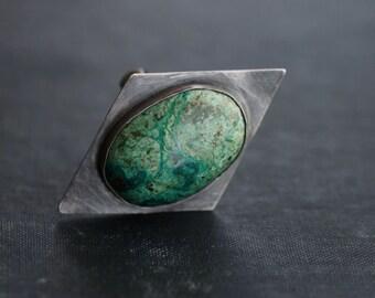 Green Leopard Skin Gemstone on Sterling Silver - Geometric - Oxidized - Size 7.5