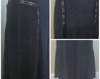 Black 1970's Gypsy Skirt// Midi// Maxi// Vintage