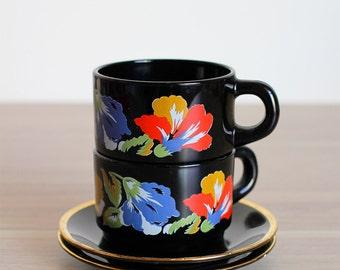 Duo of Arcoroc Flower Mugs