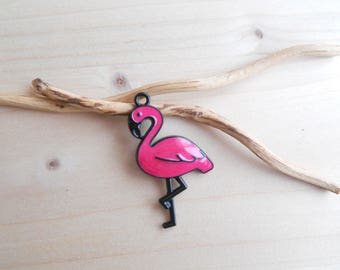 Pendant Flamingo enamel black and Fuchsia one side