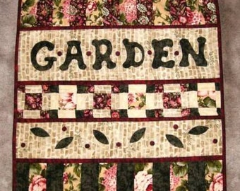 QUILT, Garden Mini Quilt, Applique Wall Hanging, FREE Shipping U.S.