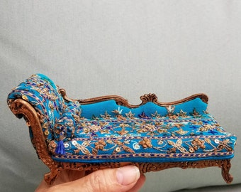 Miniature dollhouse chaise lounge,  settee, 1:12 scale.