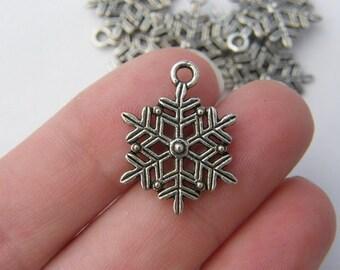 10 Snowflake charms antique silver tone SF3