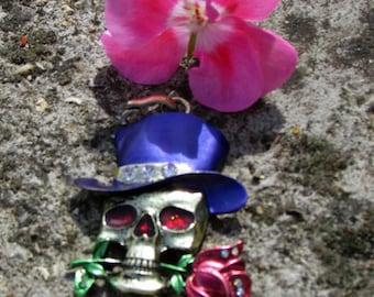 Skull pendant X 1 stylized of color bronze 65 X 37 mm