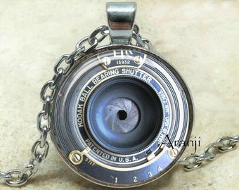 Vintage camera art pendant, camera necklace, camera jewelry, photographer necklace, photography pendant, camera lens, Pendant #HG199P
