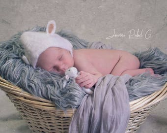 Felted Set - Tiny Lamb and Bonnet