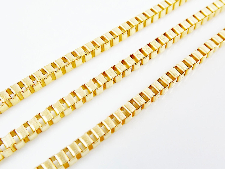 Medium Chunky Venetian Box Chain 22k Matte Gold Plated 1