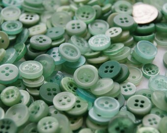 100 Sea Foam  Mint Green Small Button Mix, Assorted Buttons, Crafting Jewelry Collect (1462 A)