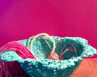 Retro / Crochet /  Doiley Bowl / Jewelry Bowl / Trinket Bowl / Jewelry Storage.