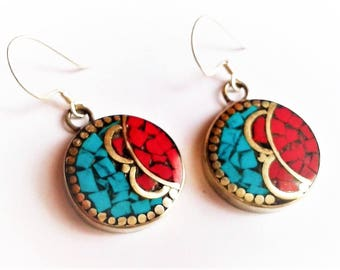 Ethnic earrings bicolor Nepal Tibet Himalayas