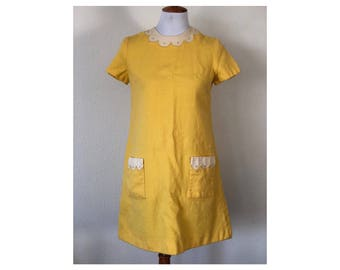 SALE!  M 1960s Gay Gibson Yellow Wool Short Sleeved Shift Dress With Pockets