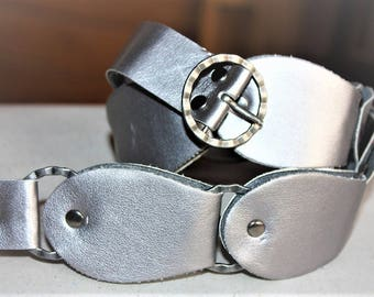 Super Cool Accessors - Adorable Vintage Belt with Style Buckle ... a Fashionista Statement Piece Size S /// M - Freaking Dope