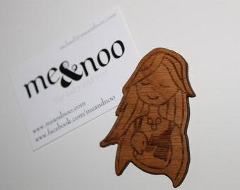 Breastfeeding wooden magnet