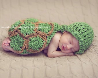 Hatchling Turtle Critter Cape - Newborn Photography Prop