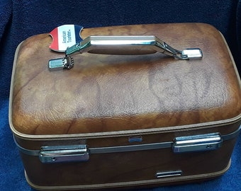 Vintage American Tourister Train Case, Tan/Brown No Keys