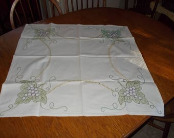 """Vintage 1940's Tablecloth-Cotton Muslin?-Embroidered Grapes & Leaves-32"""" Square-FREE SHIPPING"""