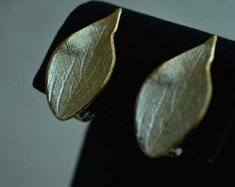 SALE ! Elegant Gold Tone Aristate Shaped Leaf Clip Earrings